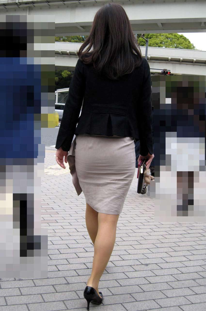 制服着たOLの街撮りお姉さま画像だけで抜く奴www 2411