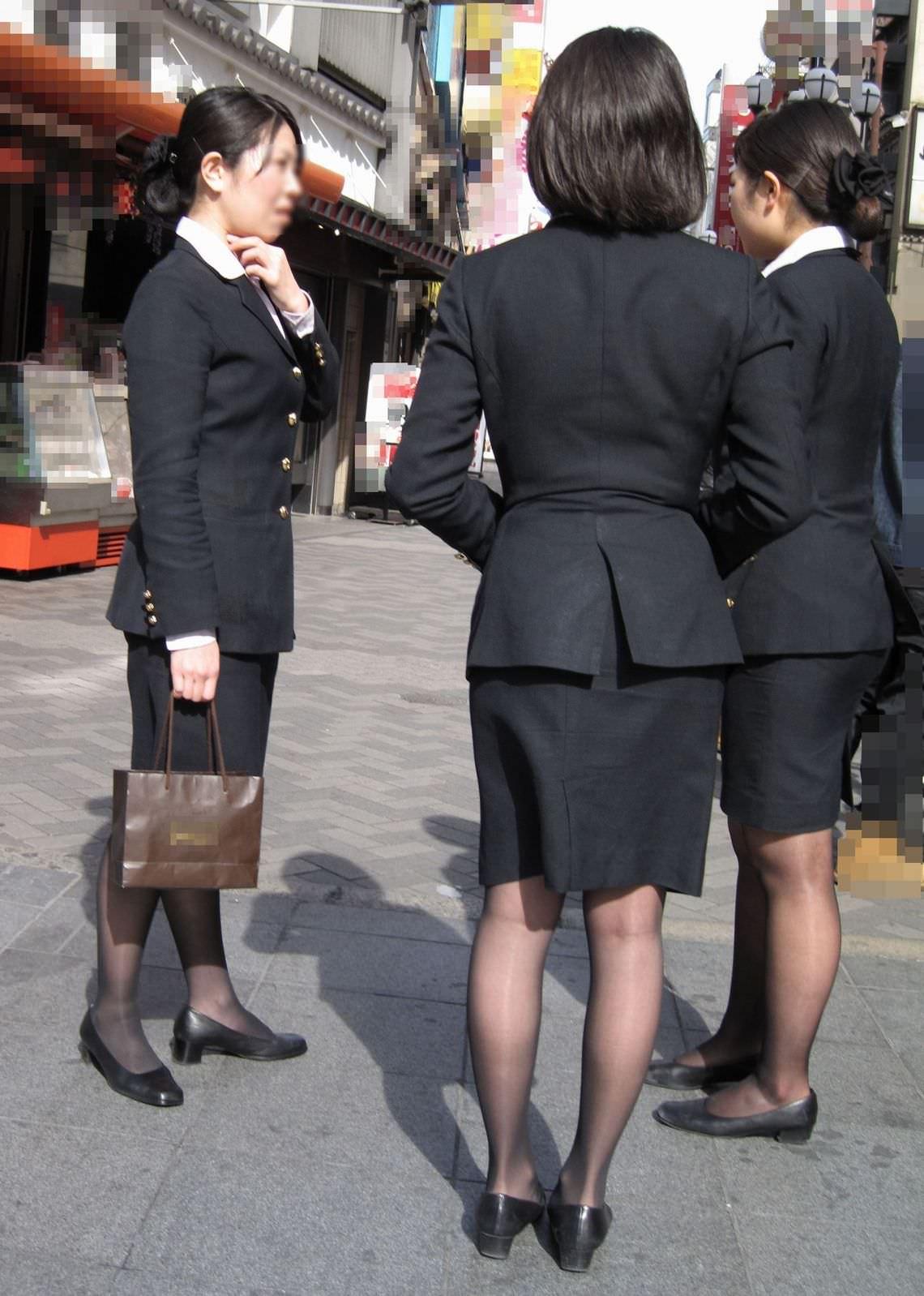 制服着たOLの街撮りお姉さま画像だけで抜く奴www 2413