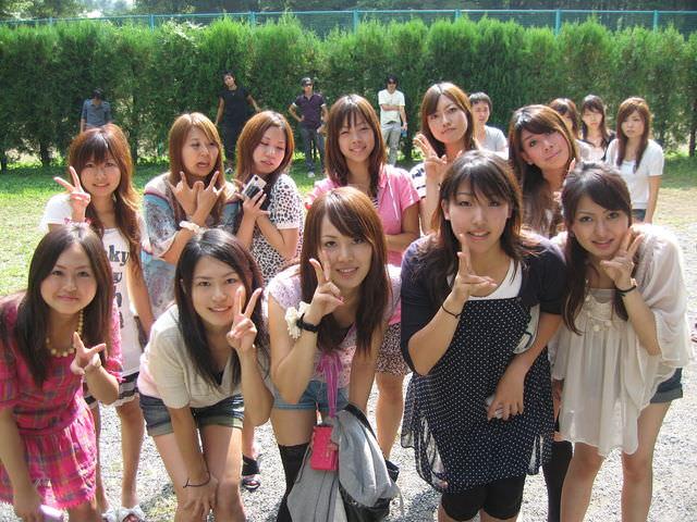 集合写真に写ってる女子校生・女子大生の中でどの女を犯したい!? 1101