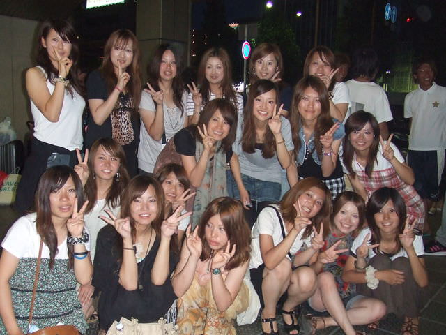 集合写真に写ってる女子校生・女子大生の中でどの女を犯したい!? 1102