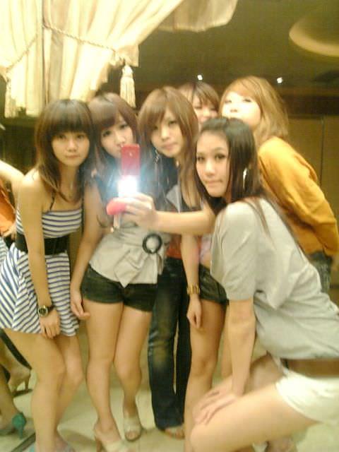 集合写真に写ってる女子校生・女子大生の中でどの女を犯したい!? 1105