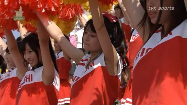 甲子園で応援するチアガールの脇とか太もものエロ画像wwwww 1226