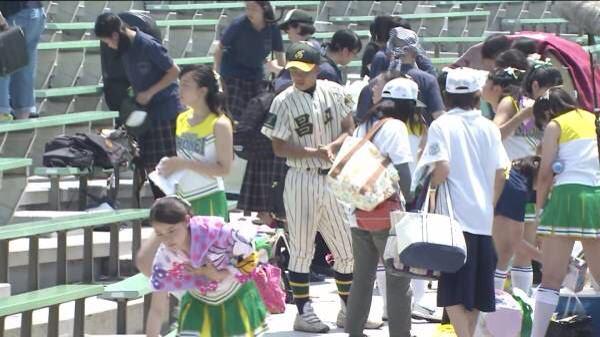 甲子園で応援するチアガールの脇とか太もものエロ画像wwwww 1244