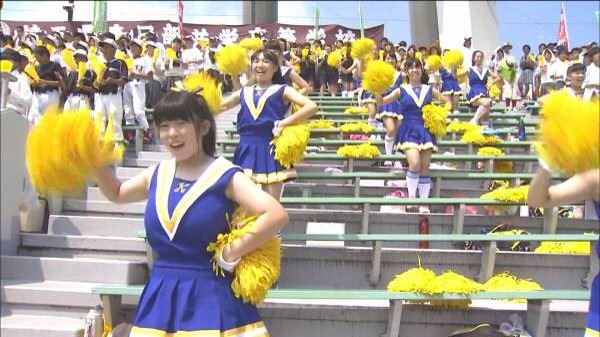 甲子園で応援するチアガールの脇とか太もものエロ画像wwwww 1252