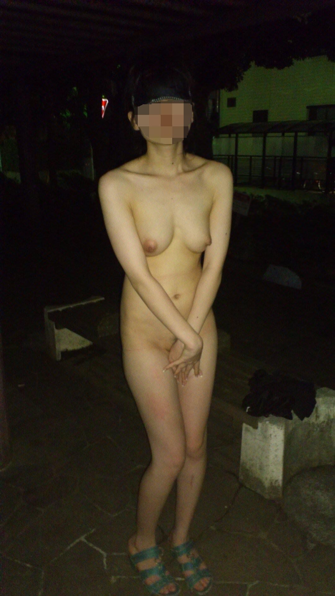 OLの彼女と夜中にいけない野外露出プレイした結果wwwww 1817