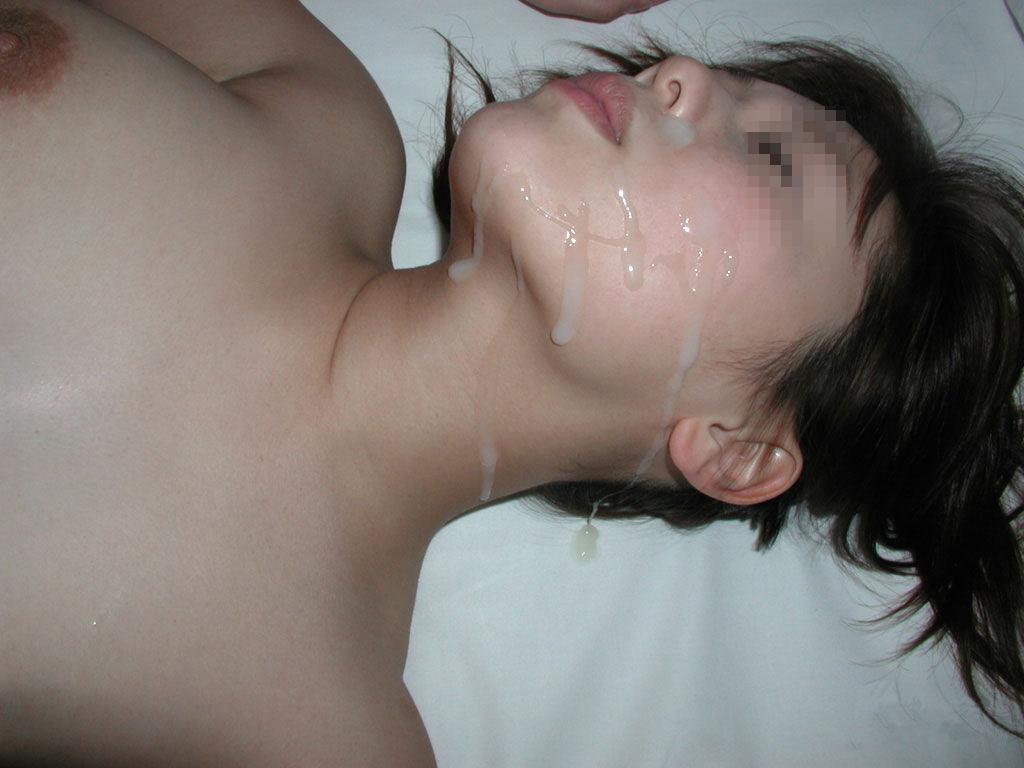 彼女の顔に精子ぶっかけると最高に気持ちwww顔射してるカップルって結構多いよなぁwww 0746