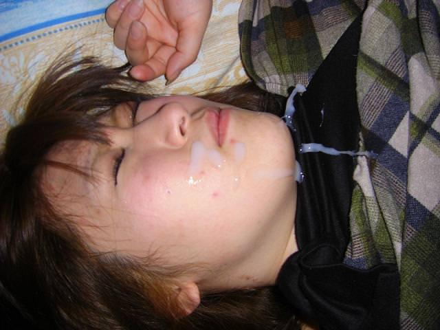 女子力高い素人のぶっさいくな面にクッサイ精子をぶっかけた顔射エロ画像www 4120