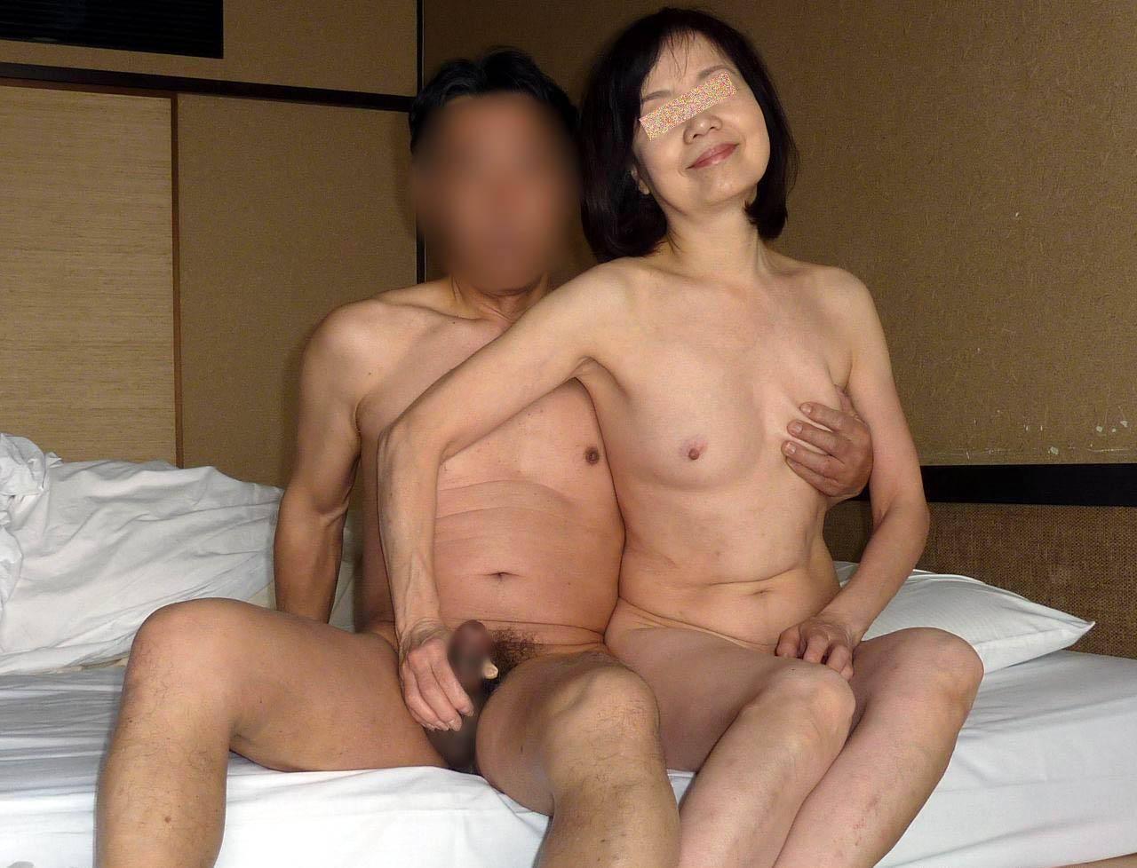 まだ女としての色気が残ってる50代熟女カップルのセックスwww 0304