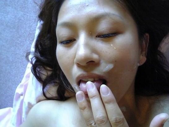 白濁汁で顔射とか口内射精で彼女を汚すの楽しすぎwww 0813