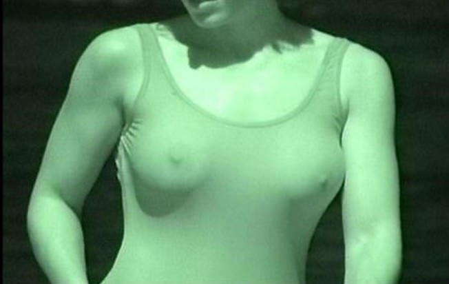 黒乳首もモサモサのマン毛も赤外線カメラならくっきり盗撮できますwww 2107