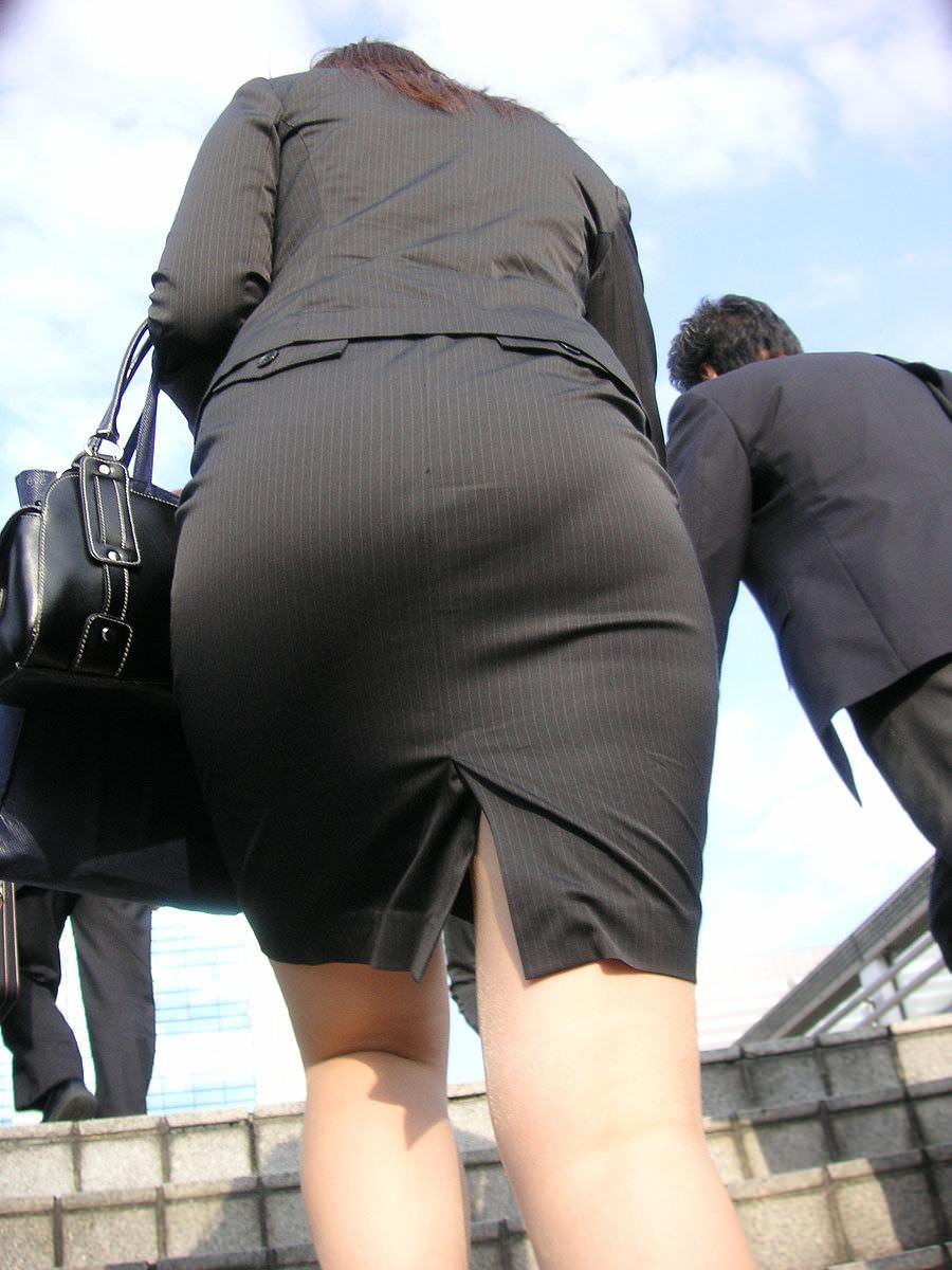 街撮りしたスーツ姿のOLのお尻ありがたすぎwww 0832