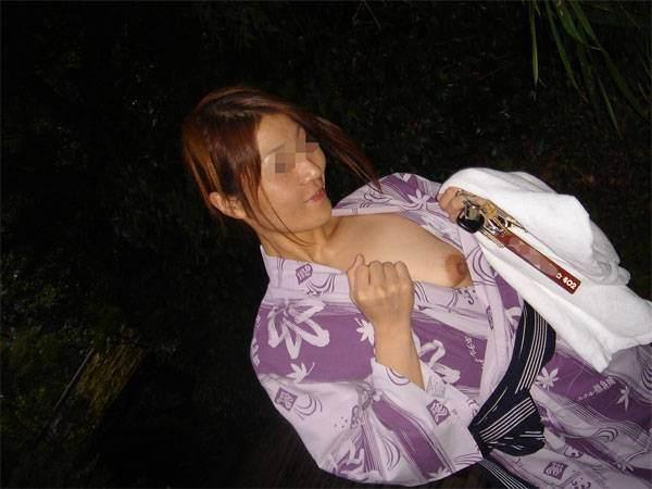 平日の貸切状態の温泉で変態夫婦が奥さんとエッチな撮影www 1518