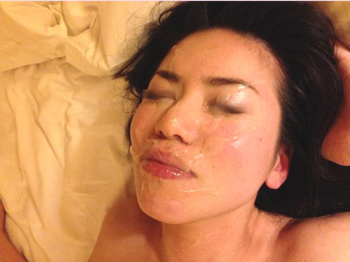 初めて顔射したらあまりにも気持ち良かったので彼女とザーメン記念撮影www 15361