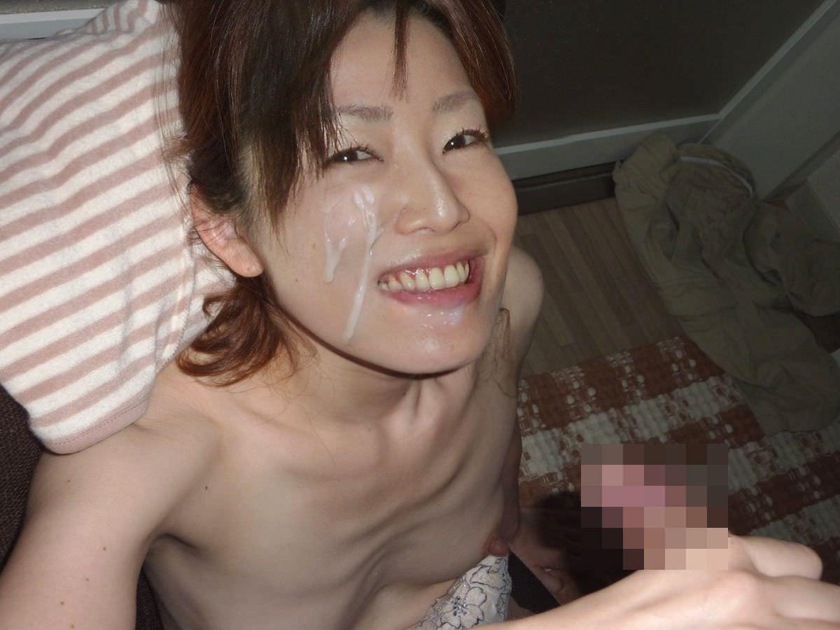 初めて顔射したらあまりにも気持ち良かったので彼女とザーメン記念撮影www 15370