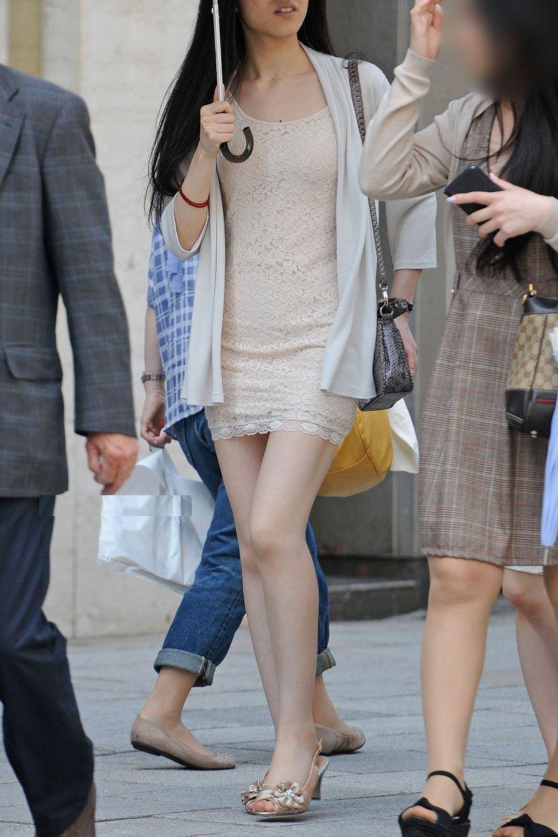 清楚系のキレイな30代お姉さんや人妻がスカート履いてる街撮り盗撮画像www 0121