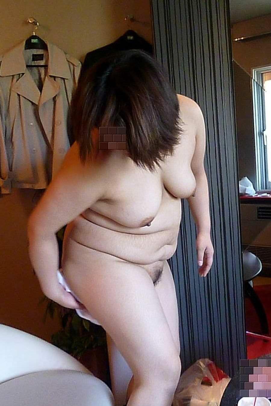 ぽっちゃり系??いや、デブ女どもの全裸を集めた素人ヌード集www 0220