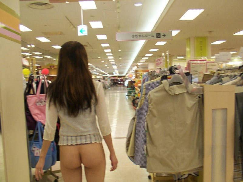 デートにマンネリ化したカップルが刺激を求めてショッピングで変態露出プレイwww 0304