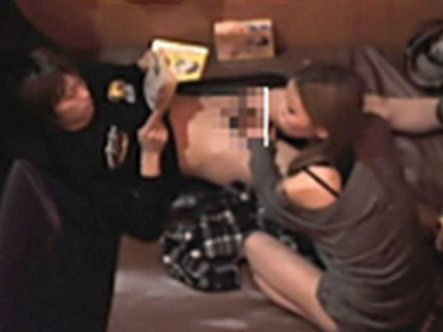 フェラとかセックスしてるのバレバレだからぁぁぁ!漫喫・ネカフェでエッチしてるバカップルの盗撮画像www 1226