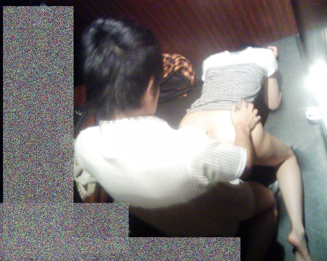フェラとかセックスしてるのバレバレだからぁぁぁ!漫喫・ネカフェでエッチしてるバカップルの盗撮画像www 1233