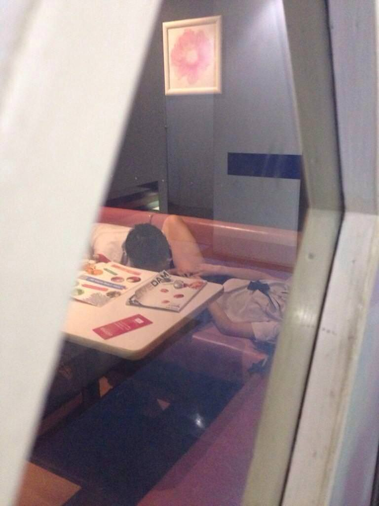 フェラとかセックスしてるのバレバレだからぁぁぁ!漫喫・ネカフェでエッチしてるバカップルの盗撮画像www 1239