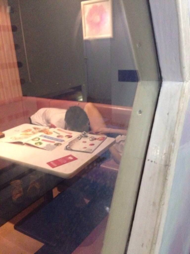 フェラとかセックスしてるのバレバレだからぁぁぁ!漫喫・ネカフェでエッチしてるバカップルの盗撮画像www 1240