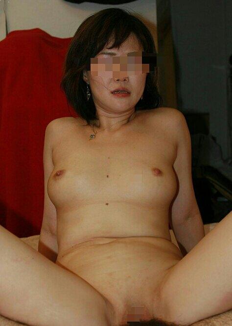 間男に剃毛された熟女のパイパンまんこ☆性欲が強すぎて不倫する人妻たちwww 2111