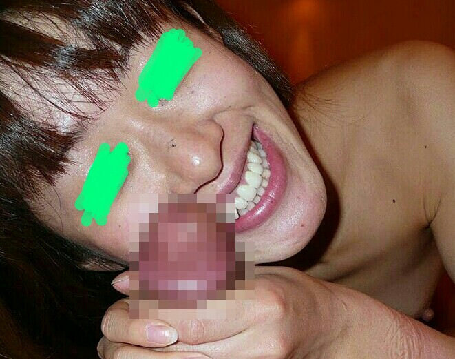 彼女の手のぬくもりが気持ちいい!射精待ったなし手コキ画像 2246