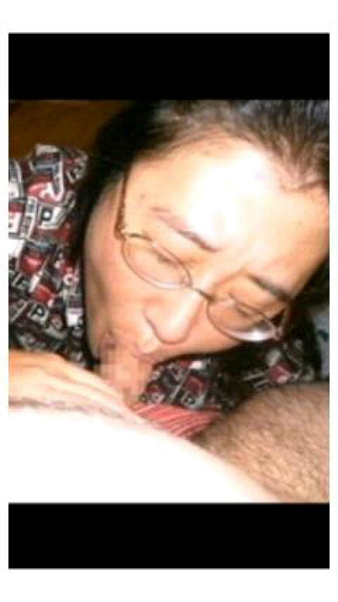人妻が醸し出す独特のエロス~!熟女のお口で濃厚なフェラチオサービスwww 2937