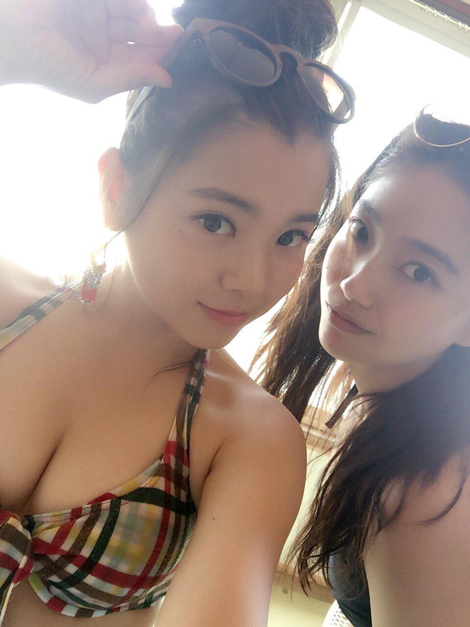 【画像あり】巨乳おっぱいしたビキニのお姉さん『海なう。』wwwwwww Fg8YMVF