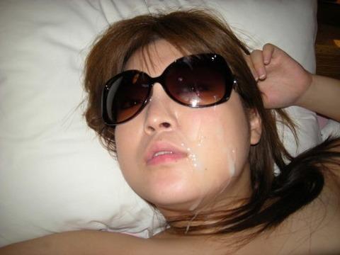 彼女や人妻の顔面に臭くて苦い精子をぶっかけwww素人娘の顔射画像wwww 2608