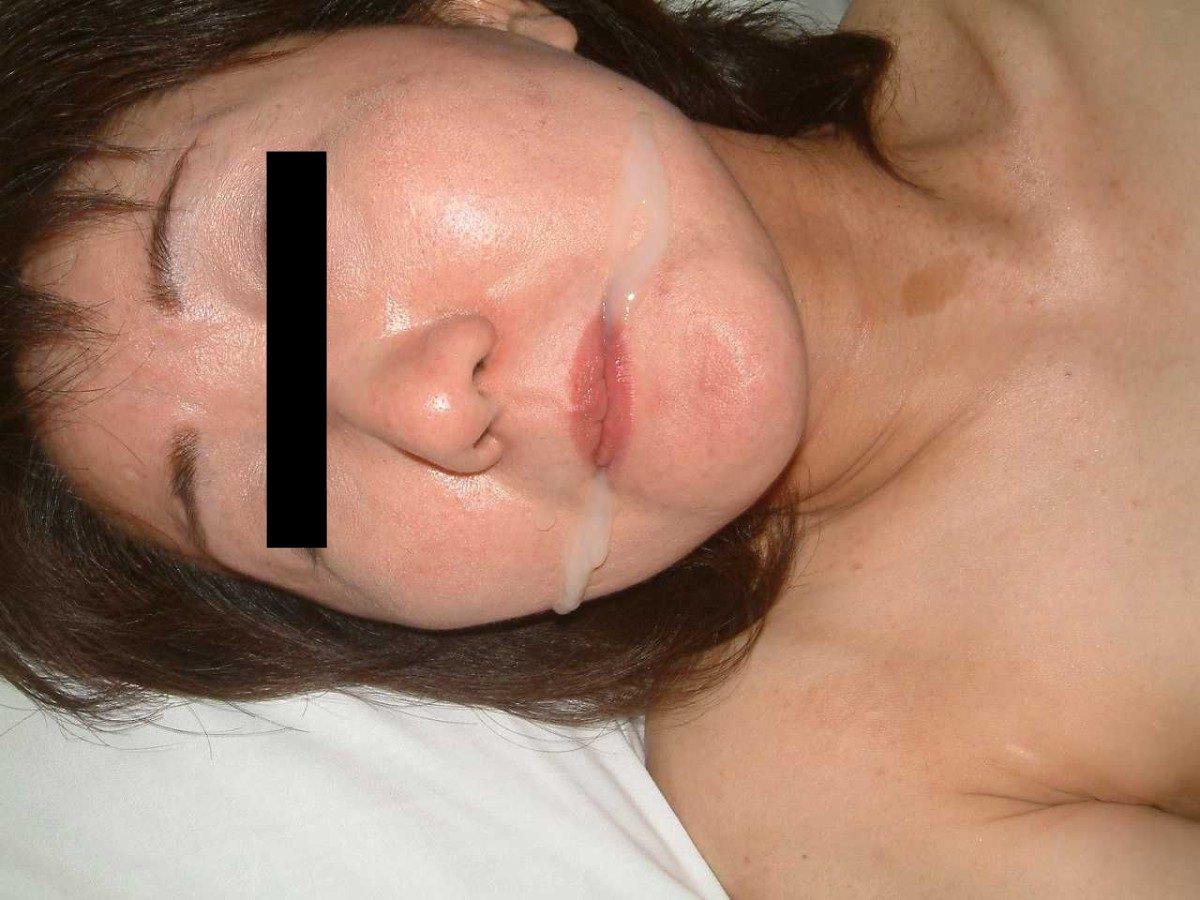 彼女や人妻の顔面に臭くて苦い精子をぶっかけwww素人娘の顔射画像wwww 2615
