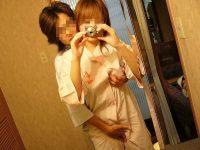 わい彼女を手マンコしてま~んこwww鏡越しに自分見てたらワロタwww