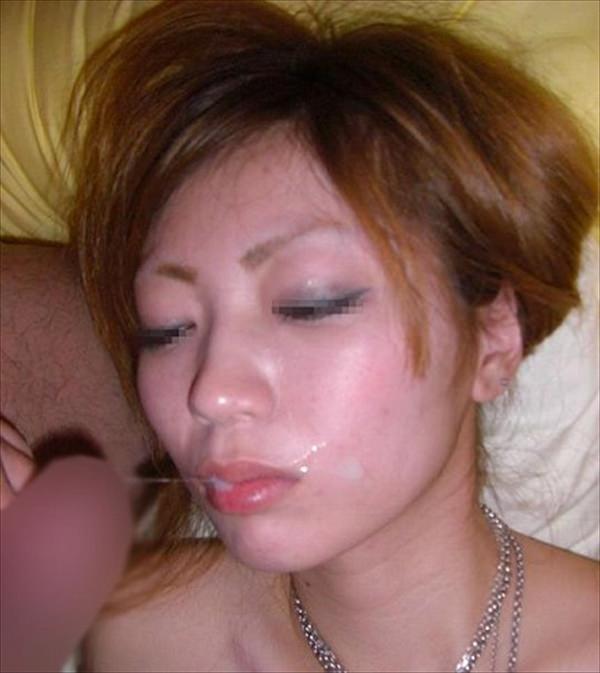 粘っこいザーメンを顔面に大量ぶっかけ!!!素人の顔射画像が好きなやつwwwwwww 1548
