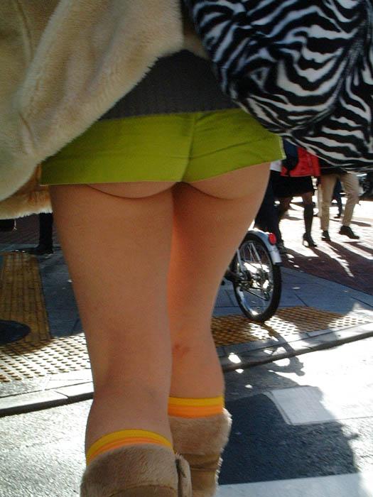ショートパンツとかいうエロすぎる服装した女達を街撮りした結果wwwwwww L1yq1Ue