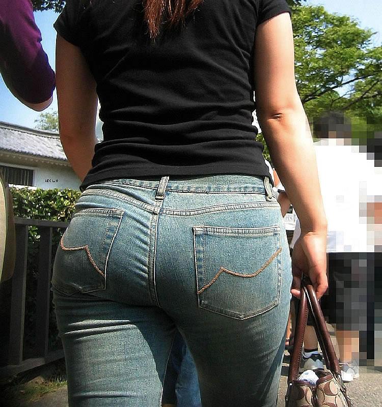 人妻のデニム・ジーンズの街撮りお尻画像スレwwwwww oR8cZ6x