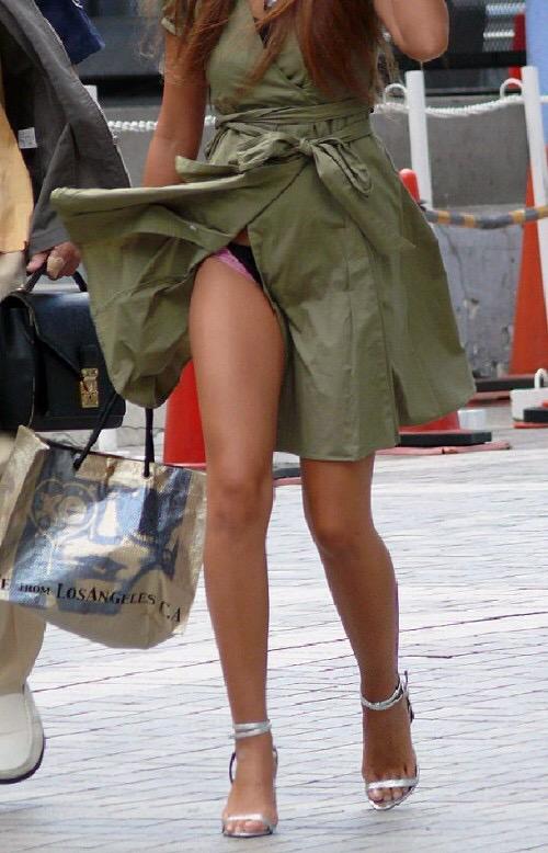 パンチラ・太もも・着衣おっぱいのちょっぴりエッチな画像まとめwww oribGal