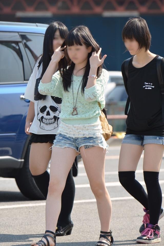 ショートパンツとかいうエロすぎる服装した女達を街撮りした結果wwwwwww tbcFlwU