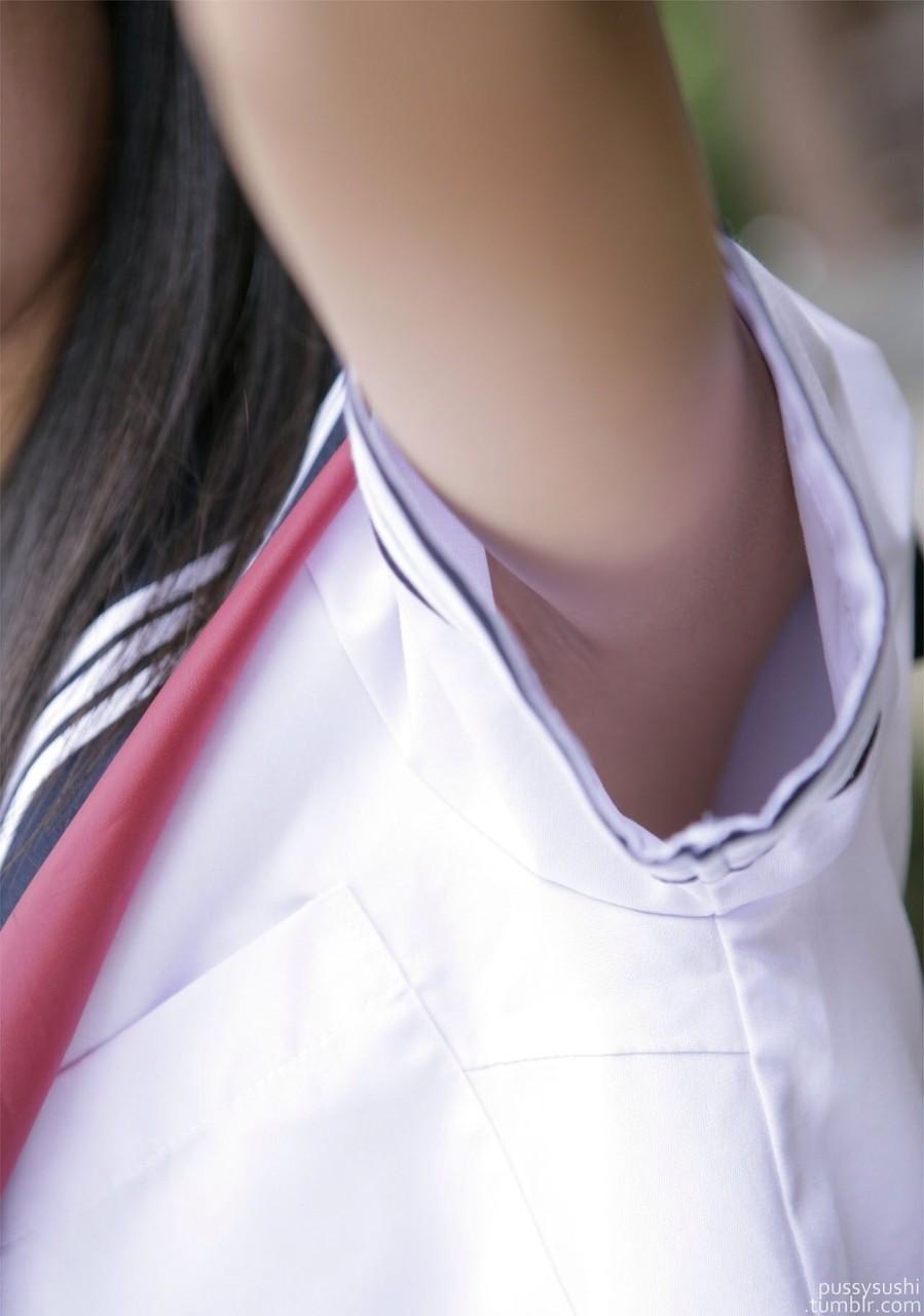 ムチムチした女子高生のマナ足太もものエロさは異常wwwwwwww 6o68C6Z