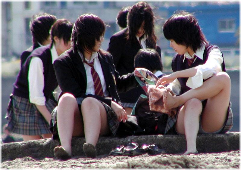 ムチムチした女子高生のマナ足太もものエロさは異常wwwwwwww j6QaCNH