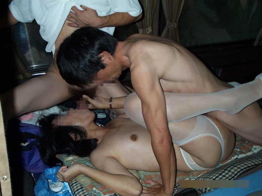 寝取られ好きの旦那に派遣されておっさんと3P!!!性に乱れた人妻乱交www 1644