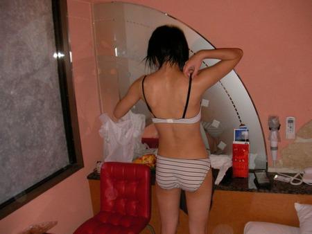 若気の至り!!10代の頃に元カノのプリプリな裸体を写メったエロ画像うpして晒すwwww 1804