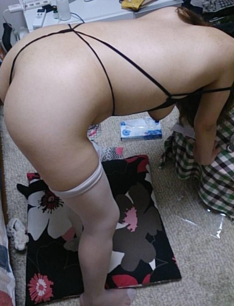 奥さんがTバックを履く日はセックスOKサインwww性に乱れる人妻エロすぎwww 2028