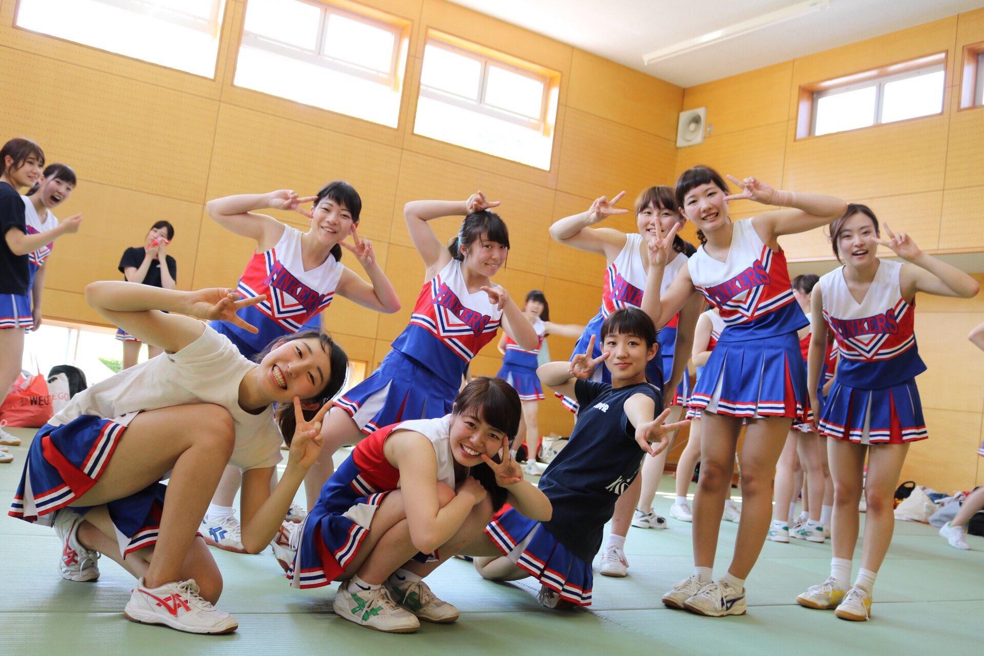 女子高生の運動部やチアリーダーの引き締まった体。いやらしい体してるなあ。 a9yjNRO