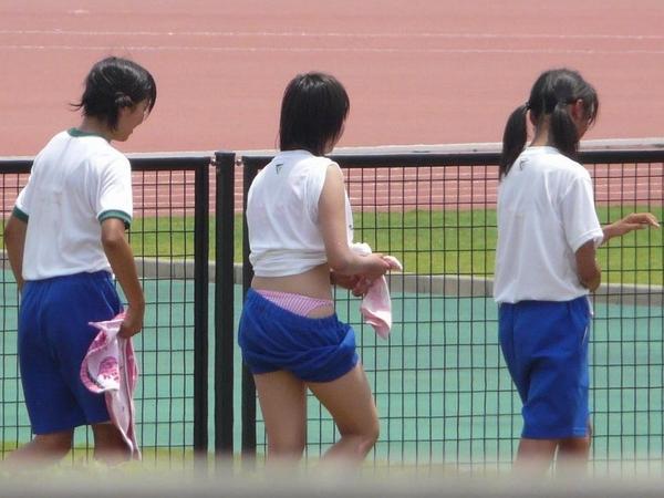 体操服の女子学生もなかなか魅力的☆☆☆クラシックなブルマも素敵だよねwwwwwwwwww