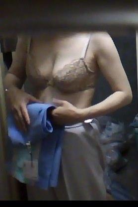 会社の女臭い女子更衣室wwwOLガチ盗撮りしまくりwww 0712