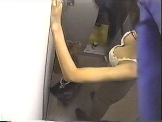 会社の女臭い女子更衣室wwwOLガチ盗撮りしまくりwww 0713