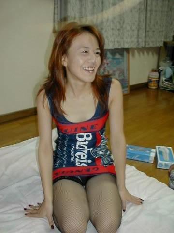 ロリ顔でギャル風の人妻熟女www不倫相手の間男にセックスを晒されるwww 1302