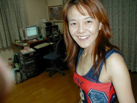 ロリ顔でギャル風の人妻熟女www不倫相手の間男にセックスを晒されるwww 1303