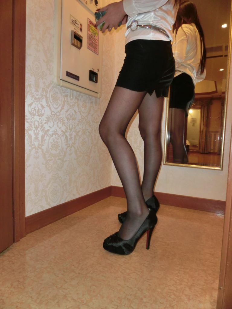 ダルダル巨乳熟女VS美魔女OLの美脚!!!エロすぎるたまらない身体wwwwwww 2248