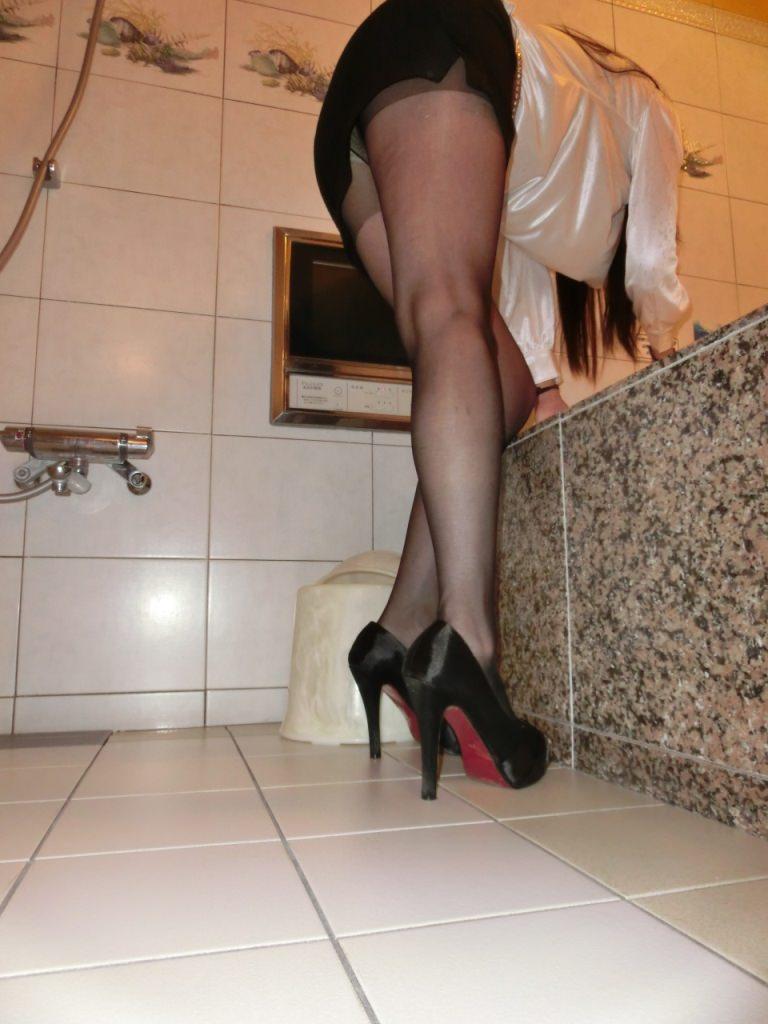 ダルダル巨乳熟女VS美魔女OLの美脚!!!エロすぎるたまらない身体wwwwwww 2249